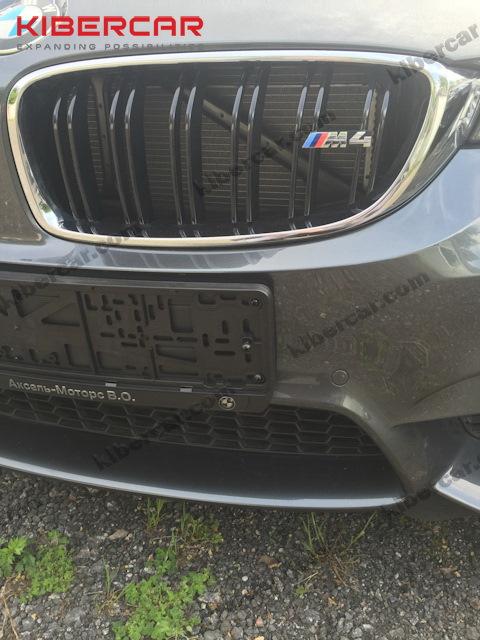 BMW M4 без защиты радиаторов.