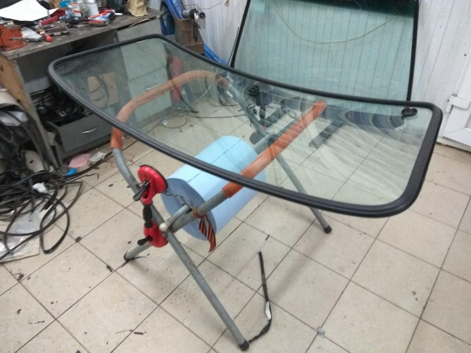 e102b61s 960 - Уплотнитель лобового стекла 21213
