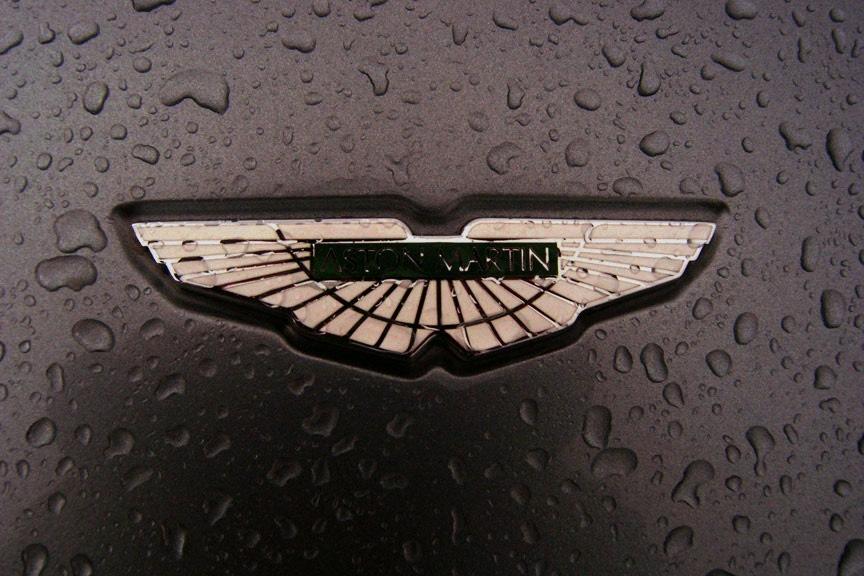 эмблема автомобиля бентли купе