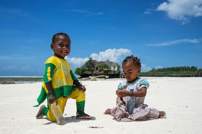 Дети на пляже. Фото: Radu Mihai Iani.