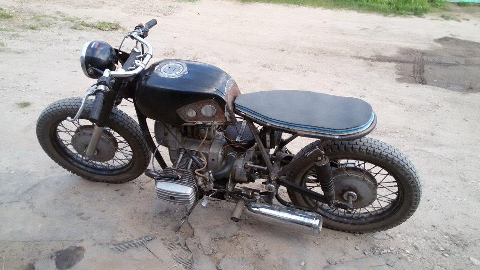 We have an collection of bmw r75 cafe racer in various styles
