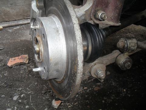 Когда проводится замена шруса на ВАЗ 2109, кроме новой детали, нужны некоторые Для проведения работ по ремонту и...
