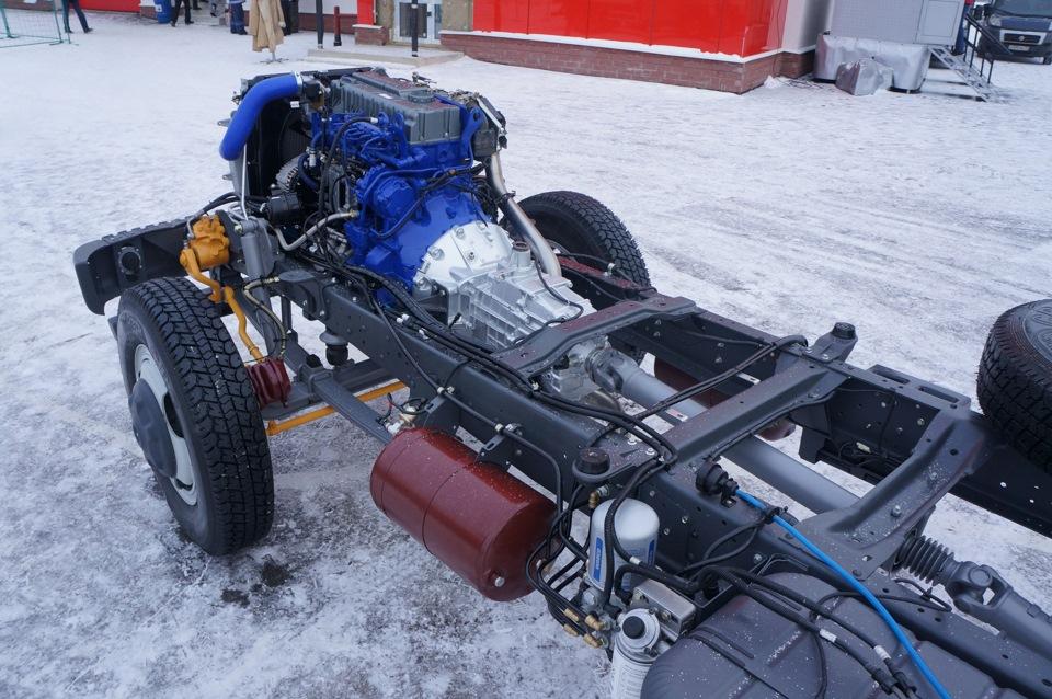 Стандартным движком числится ЯМЗ-534. Коробка передач — усиленная