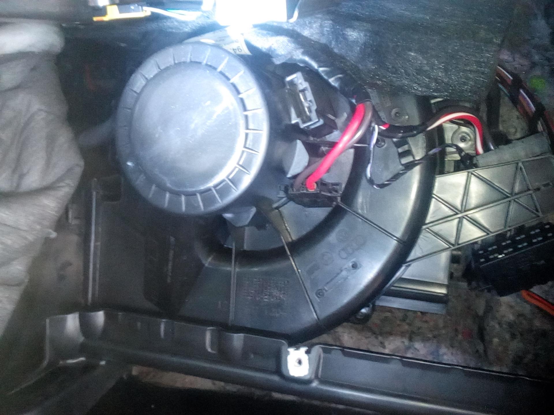 фольксваген поло седан вентилятор печки