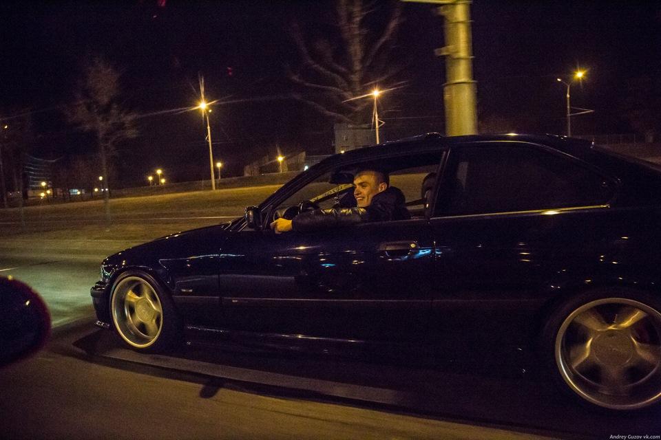 Пацан с машиной фото ночью