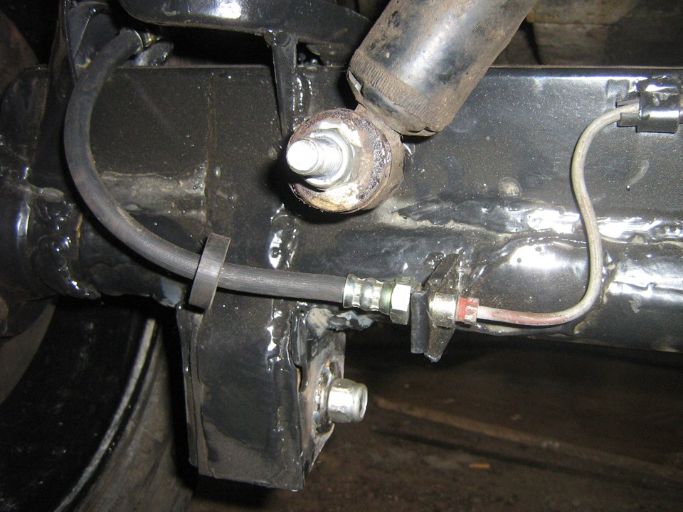 Как заменить задний тормозной цилиндр на ниву