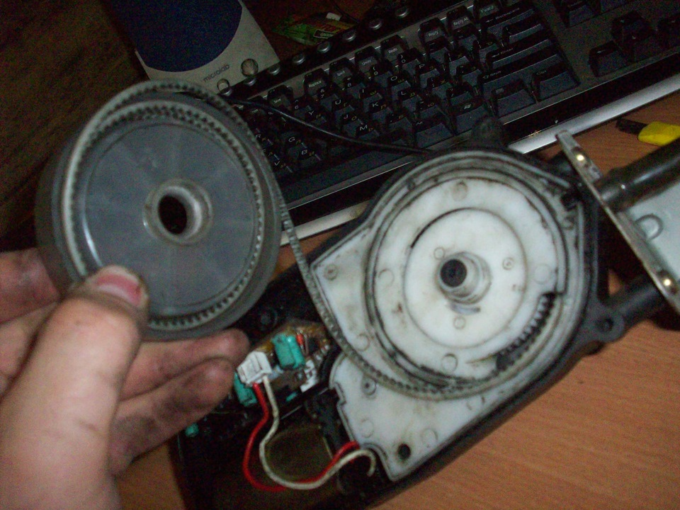 тросик привода антенны