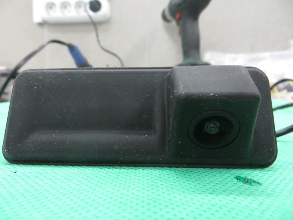 камера заднего вида в шкода октавия 3