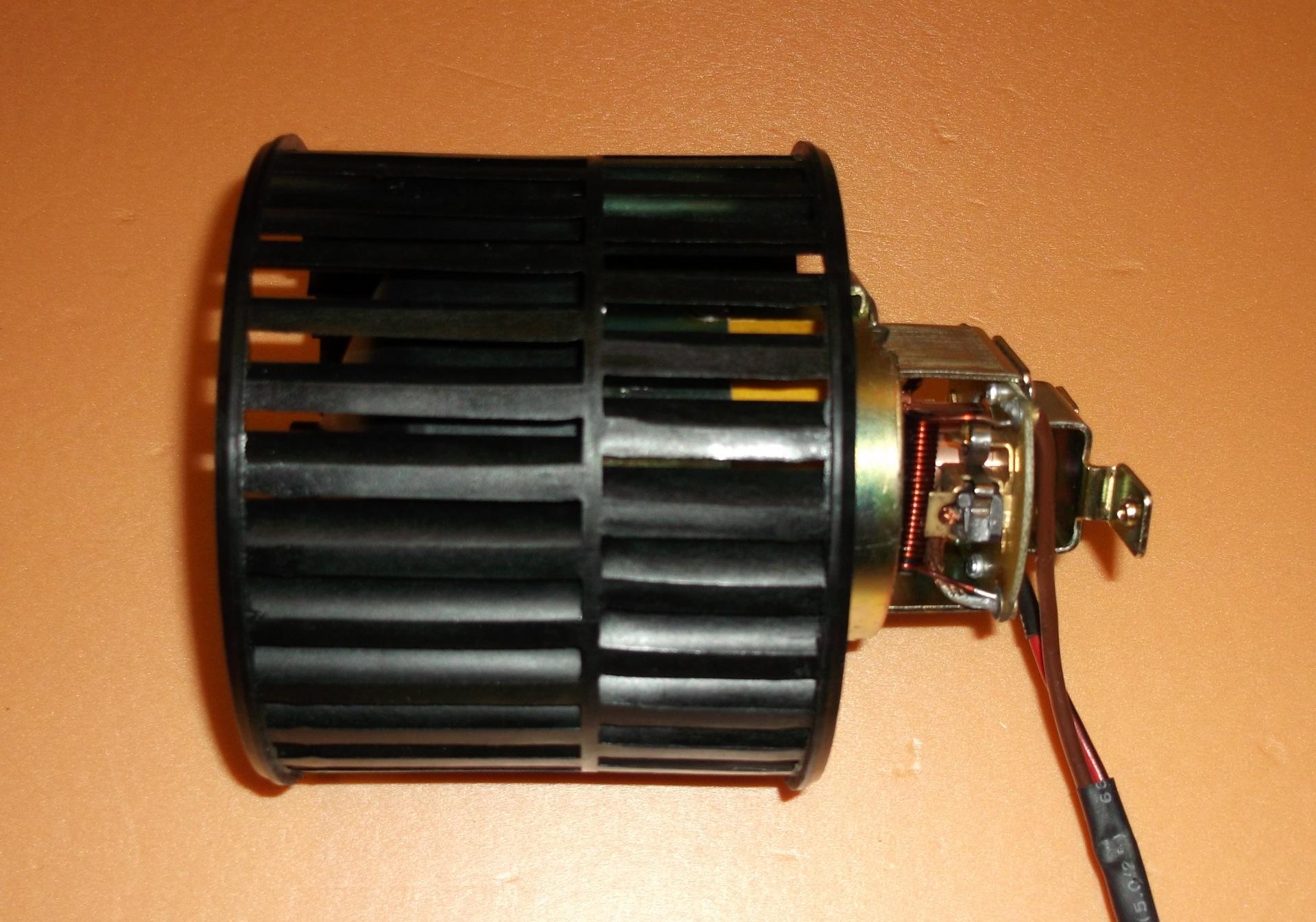 Вентилятор отопителя ВАЗ 21 8-99 как вытащить