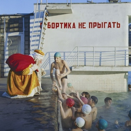 Дед Мороз у бассейна