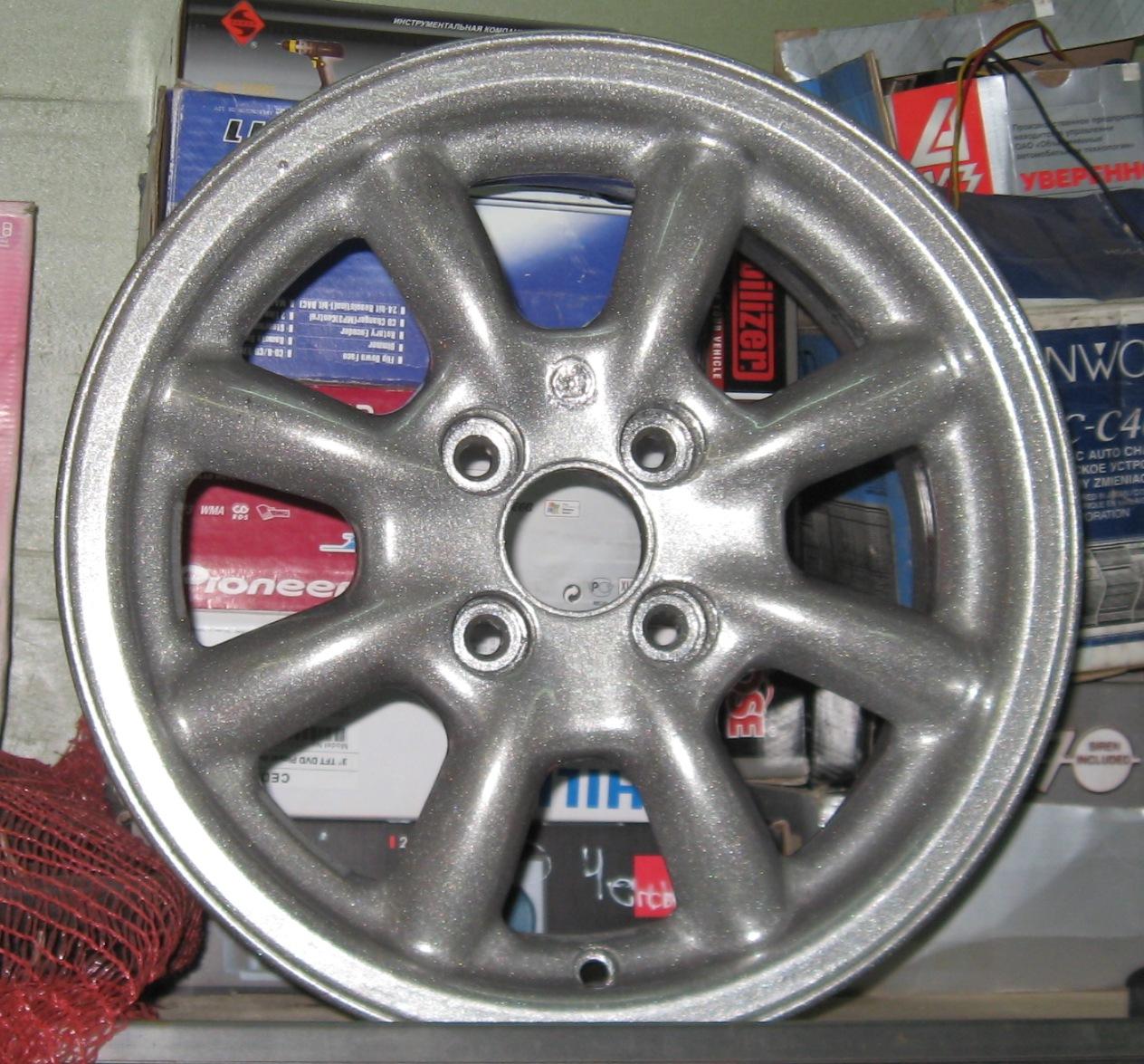 Диски: стальные диски, литые алюминиевые диски