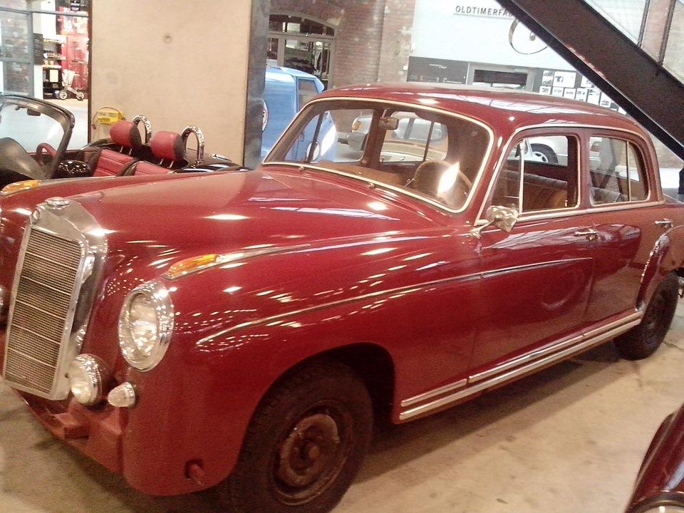 Classic Cars. Oldtimerfabrik Classic — Neu-Ulm, Germany