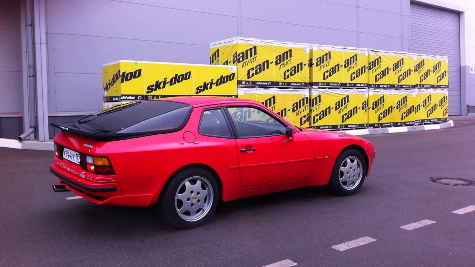 porsche 1982 года выпуска 944