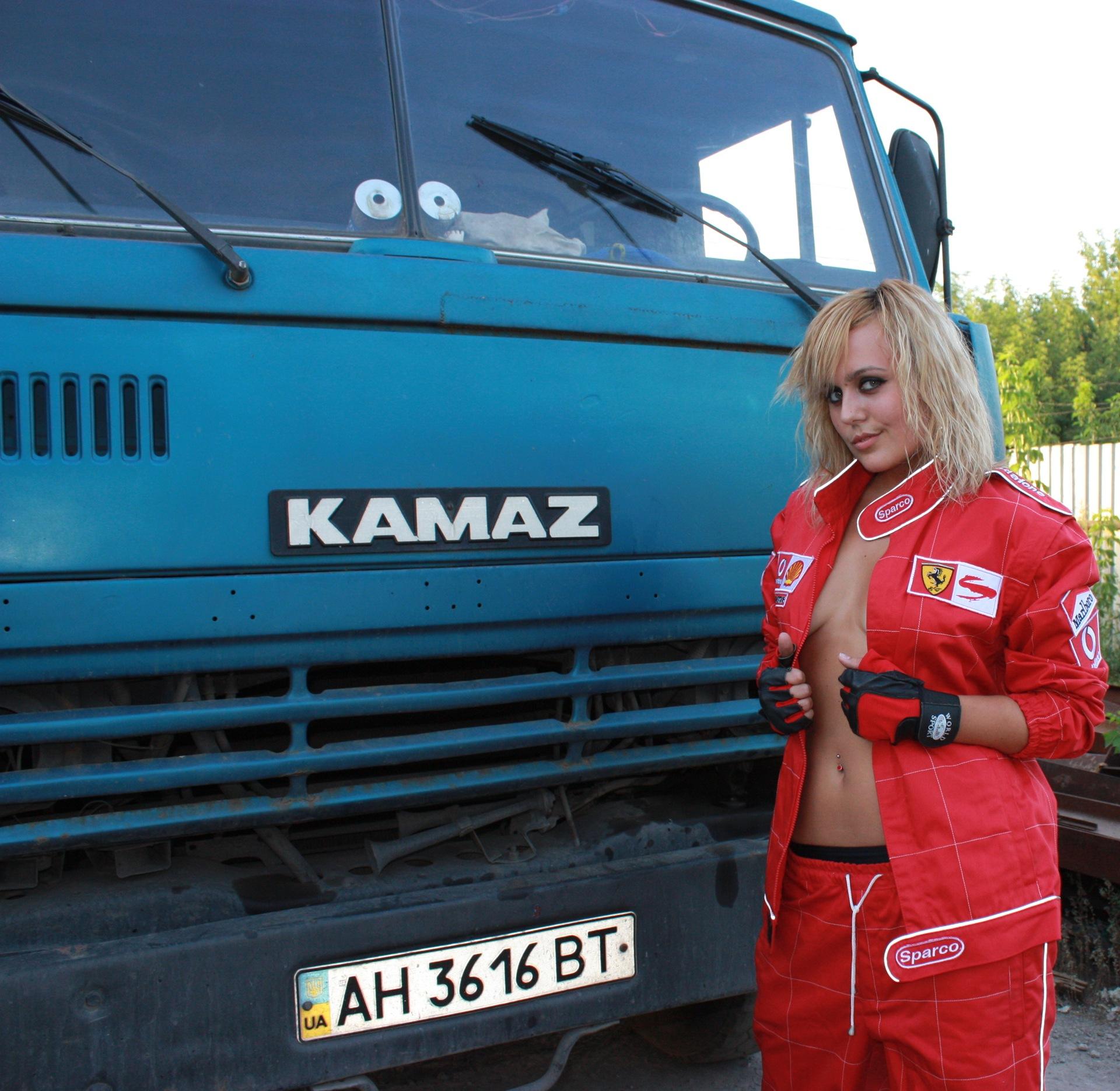 фото секс на фоне грузовых фур