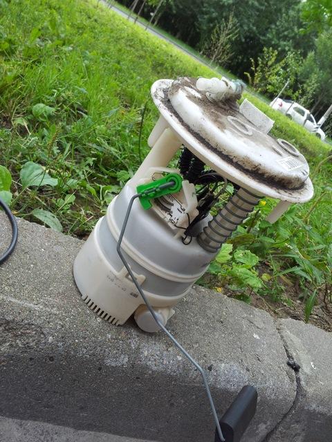 Re замена топливного фильтра peugeot 308