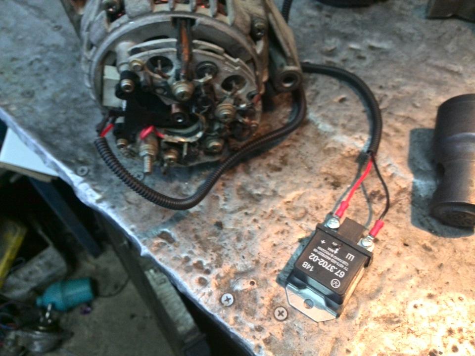 Фото №11 - ВАЗ 2110 замена регулятора напряжения
