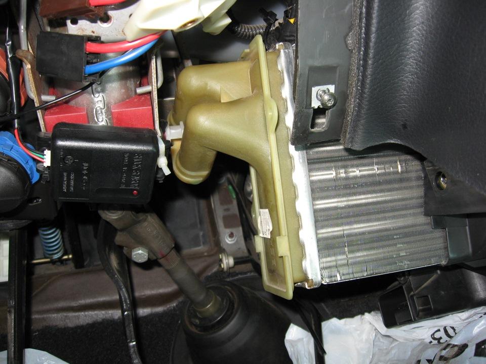 как снять радиатор печки peugeot 406