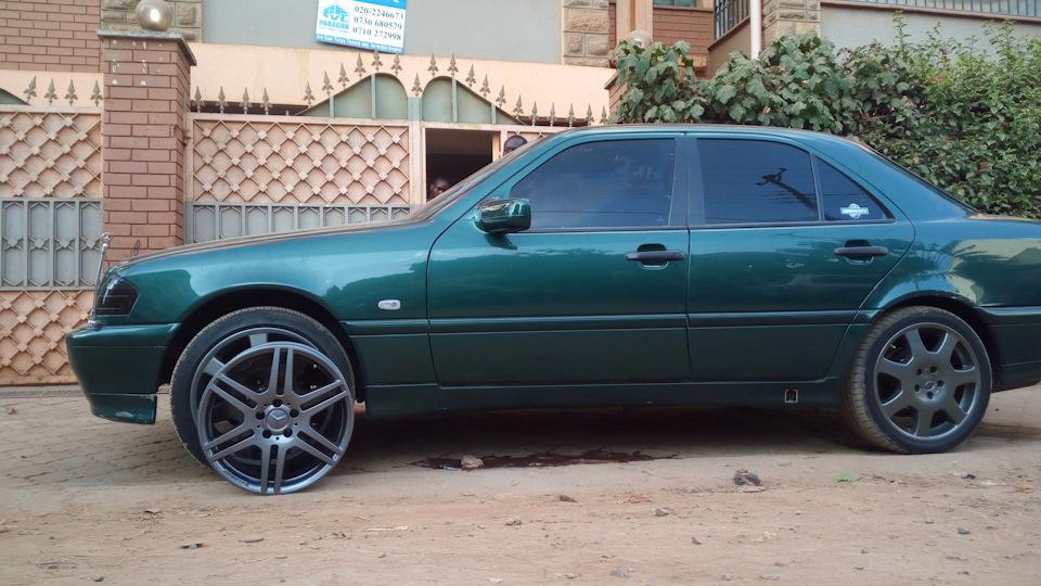 Mercedes benz c class green lantern drive2 for Mercedes benz c class w202