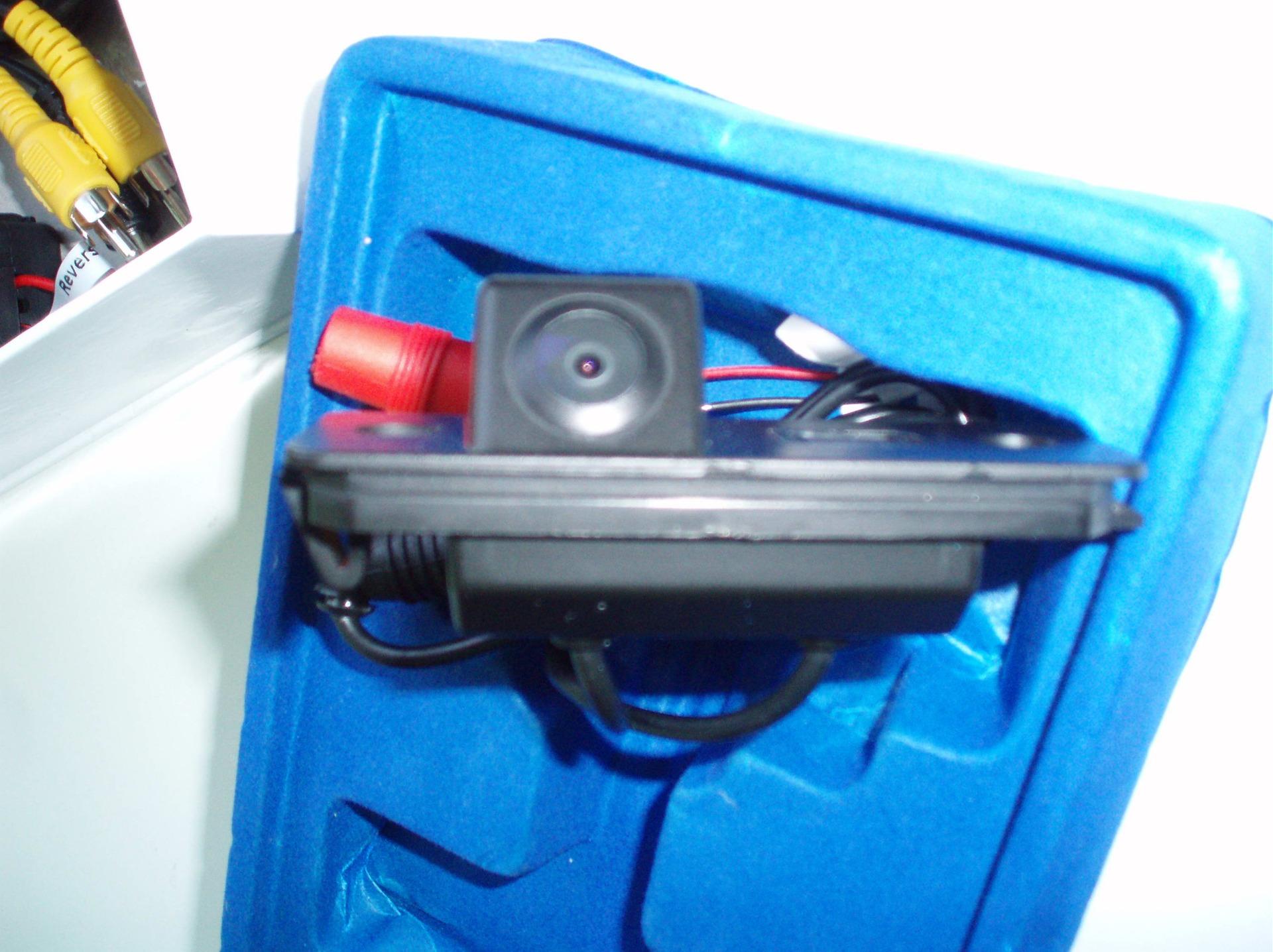 Установка камеры заднего вида пассат б6 своими руками