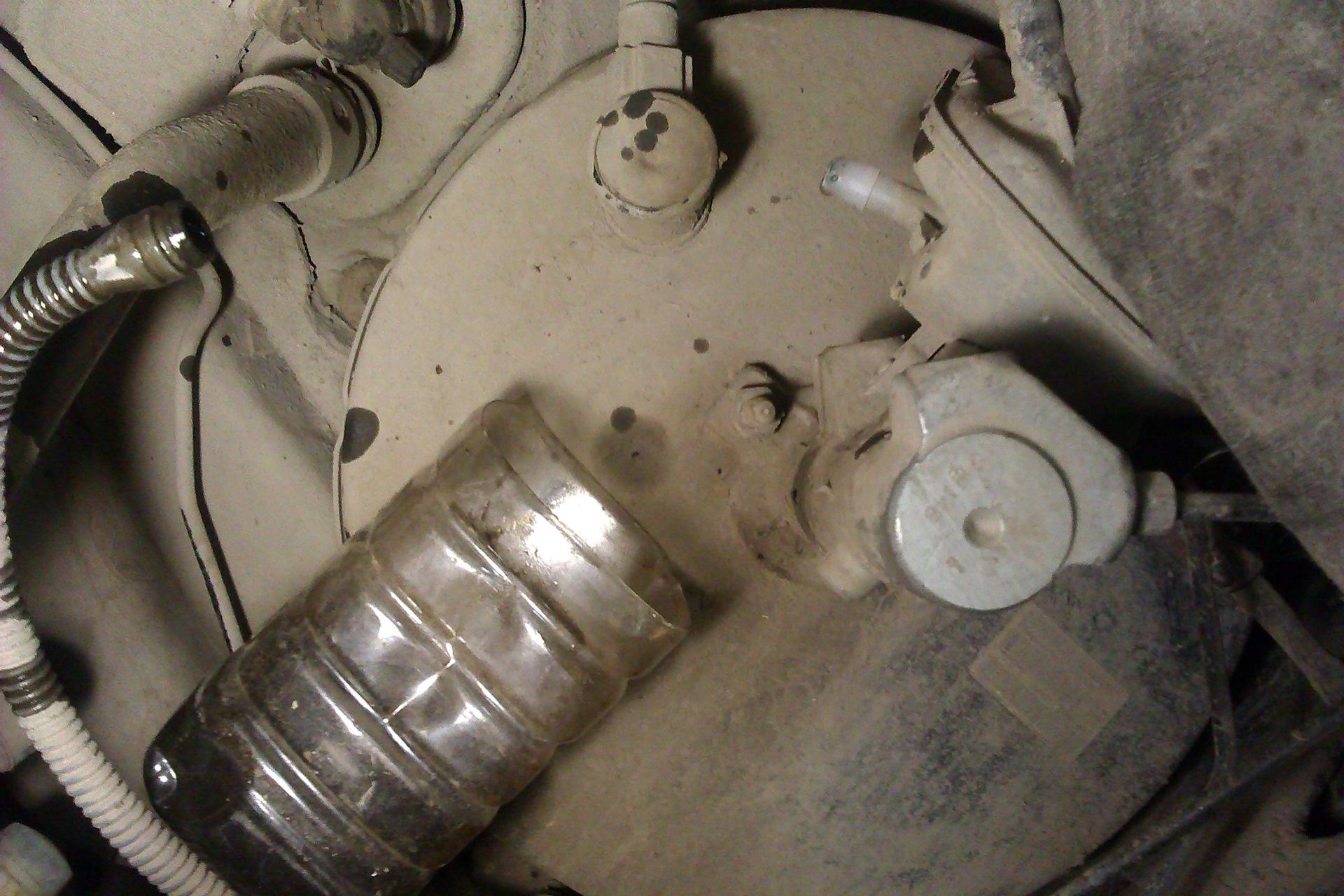 Крупным планом выделение жидкость фото 325-311