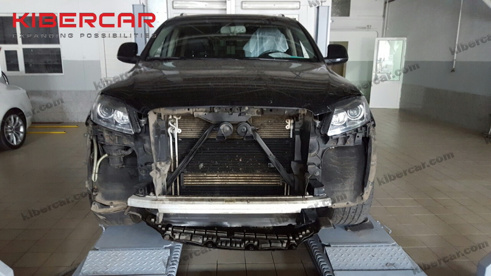Audi Q7, на сервисе.