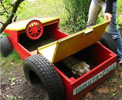 Машинка для детской площадки своими руками фото