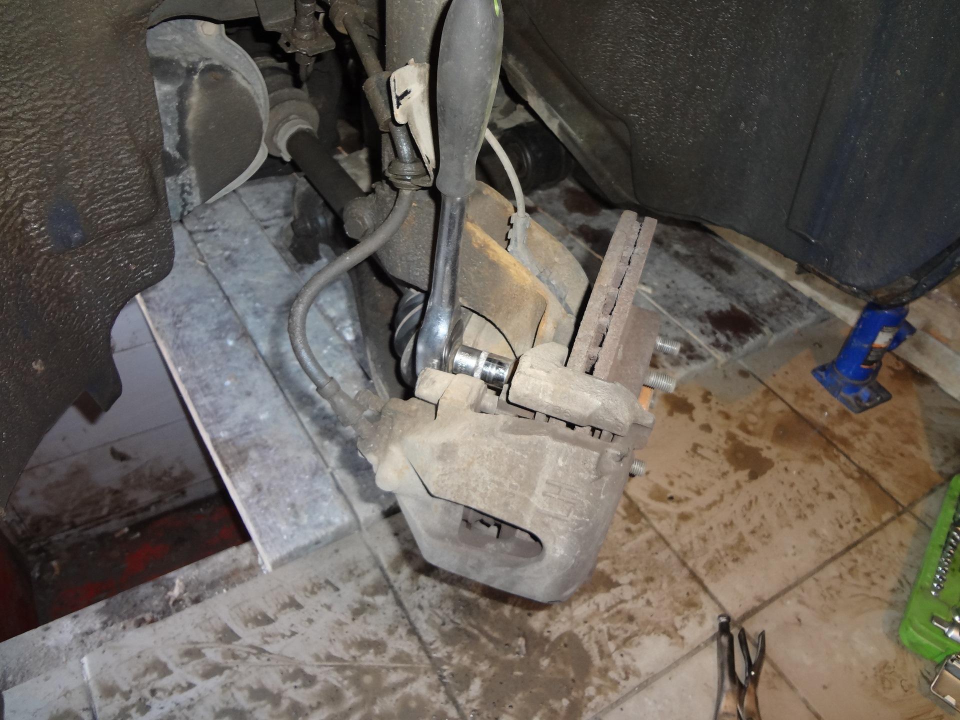 замена передней ступицы на ford c-max фото