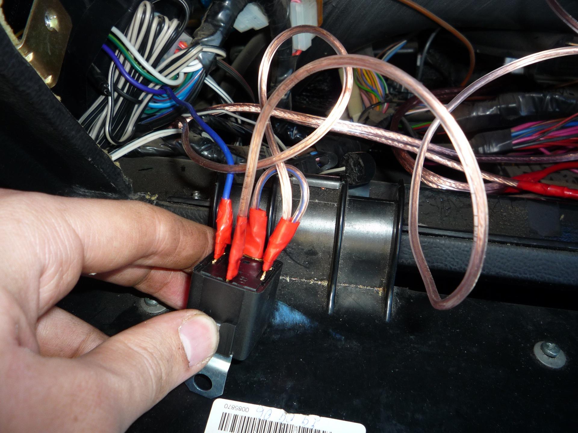 электро схема открывание багажника с кнопки 2115