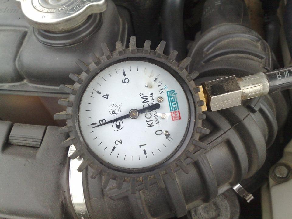 измеряем давление в топливной системе мерседес w210