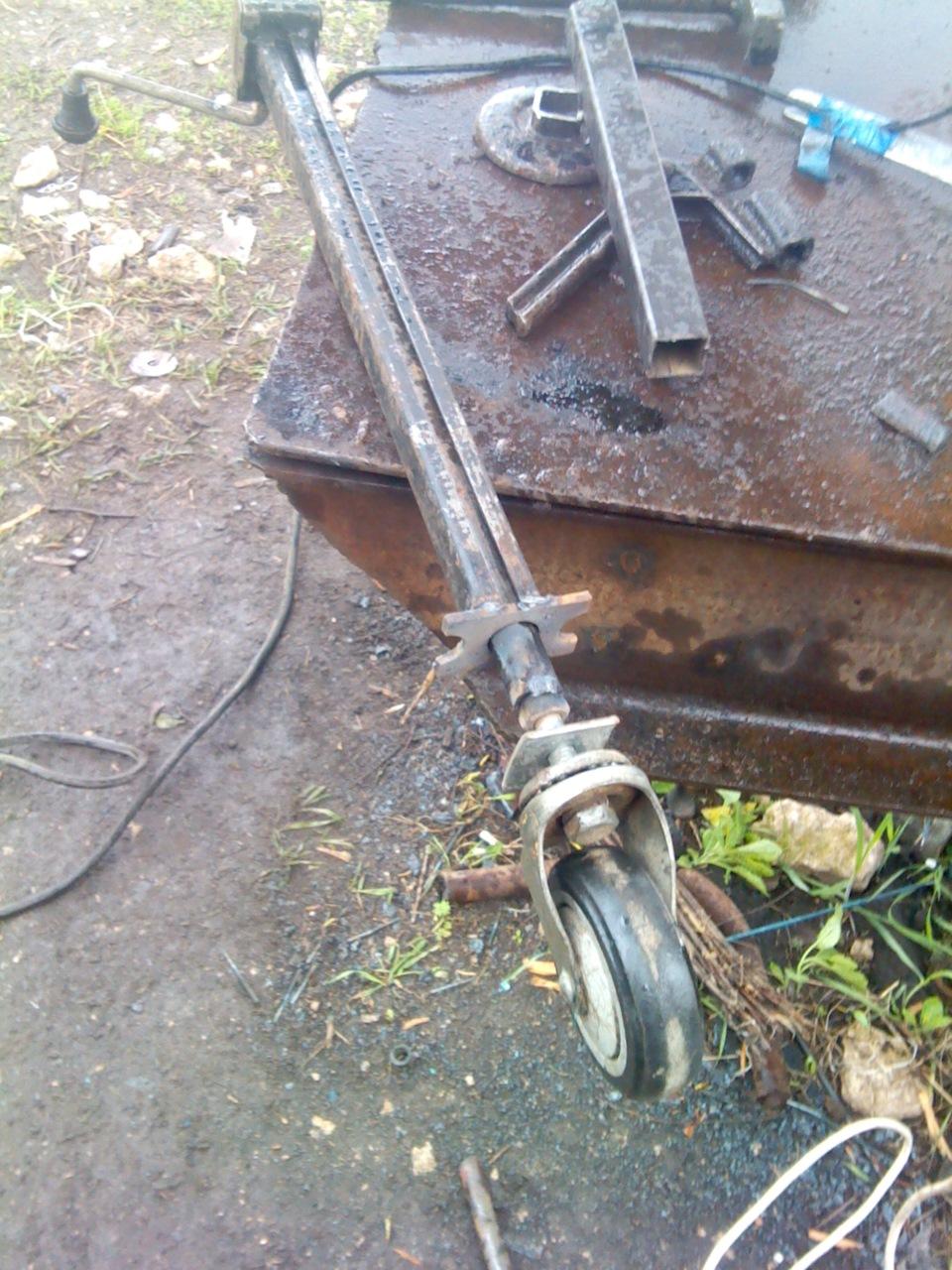 Опорное колесо на прицеп из домкрата