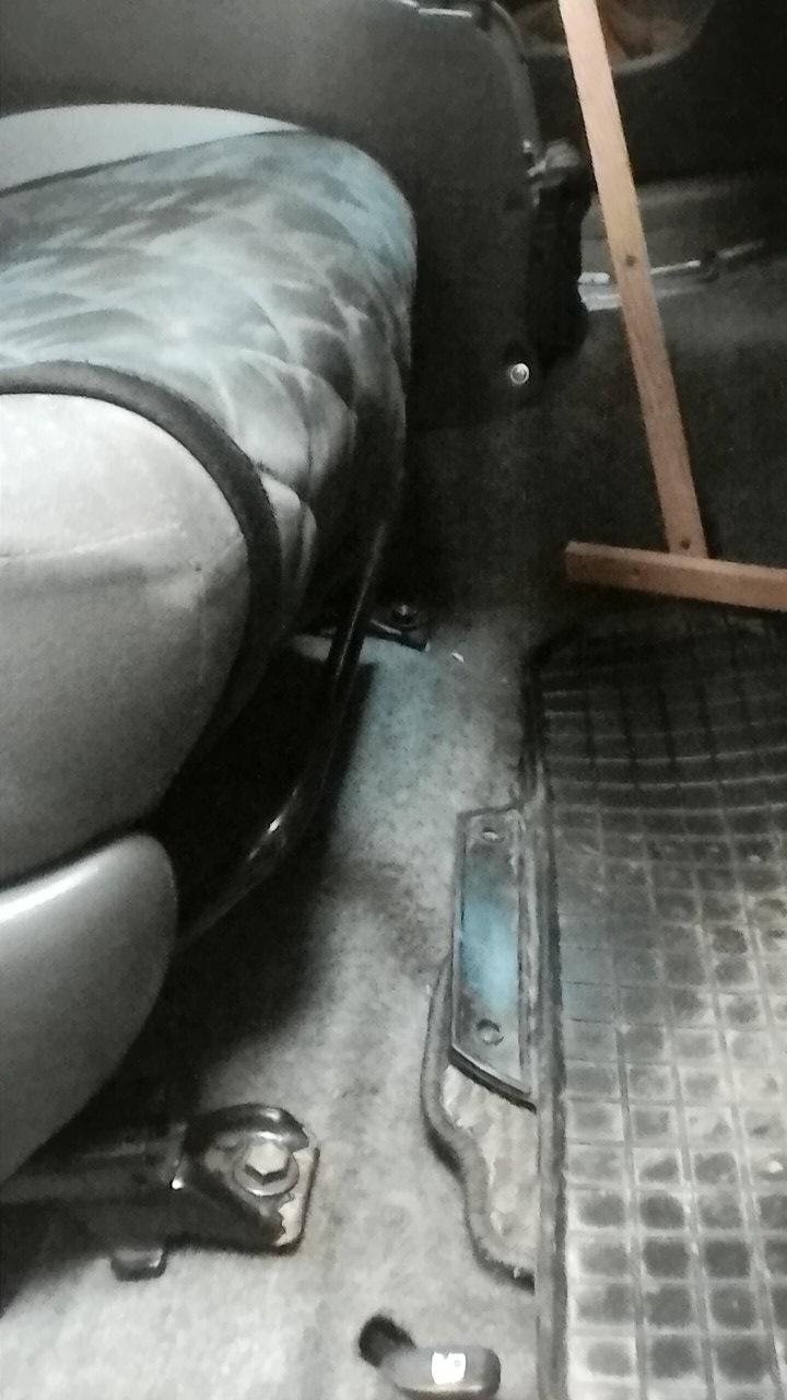 Симитатором между ног фото 259-218