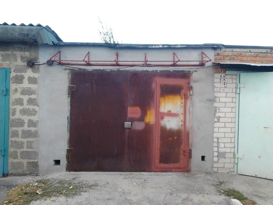 Козырек для гаража фото