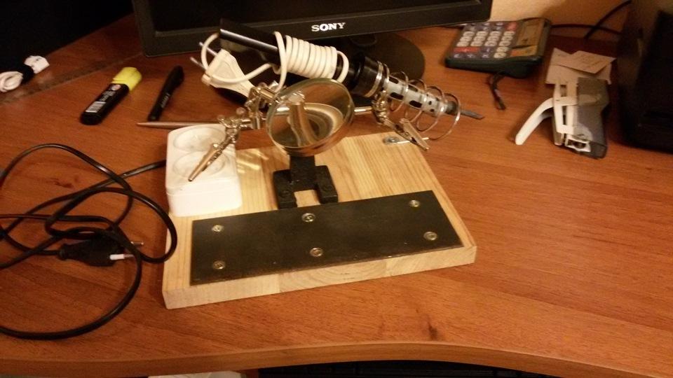 Рабочий стол для пайки своими руками 29