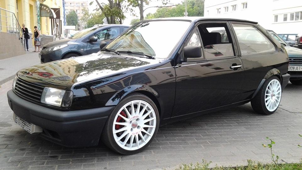 volkswagen polo hatchback g40 vs g60 vs eaton drive2. Black Bedroom Furniture Sets. Home Design Ideas