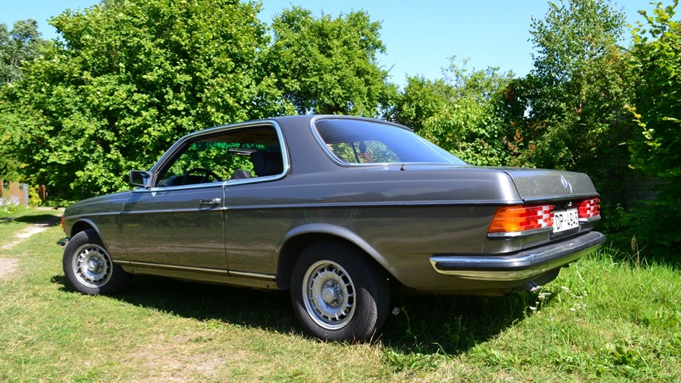 Title for Mercedes benz c123 for sale