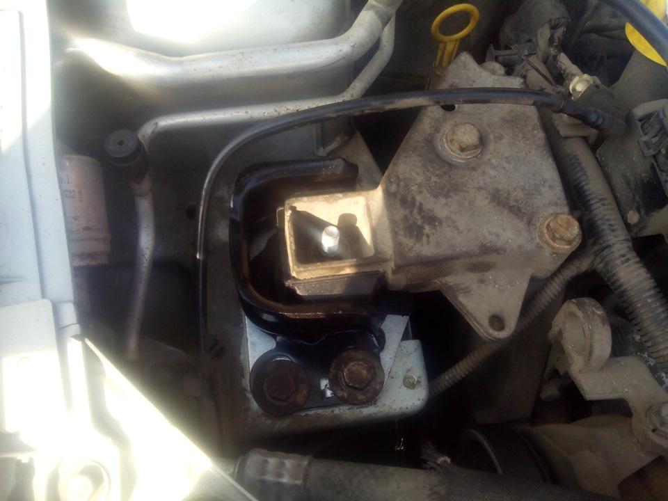 двигатель на renault symbol не тянет