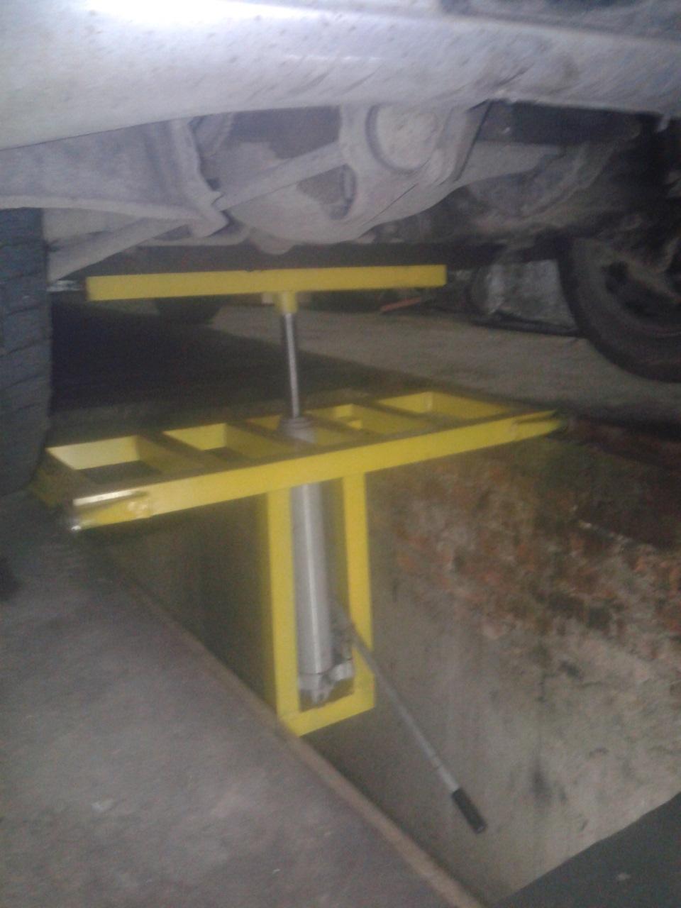 Как сделать на яме подъемник в гараже