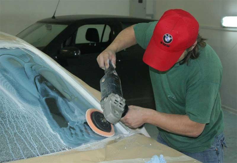 Чем отполировать стекло на автомобиле своими руками