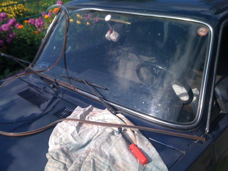 молдинг лобового стекла - logbook Lada 2107 Обаяние буржуазии DRIVE2