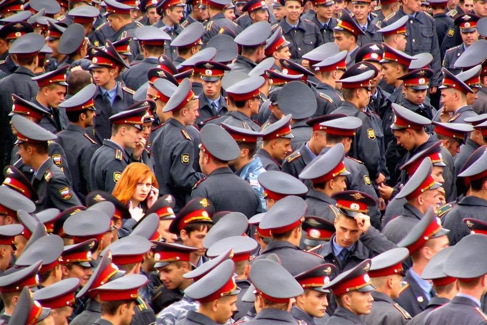Открытки марта, картинки полиции прикольные
