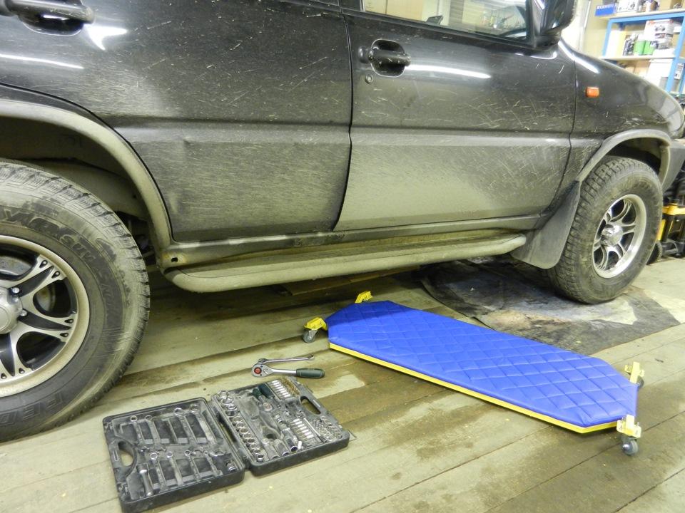 Подкатная тележка для ремонта автомобиля своими руками 48