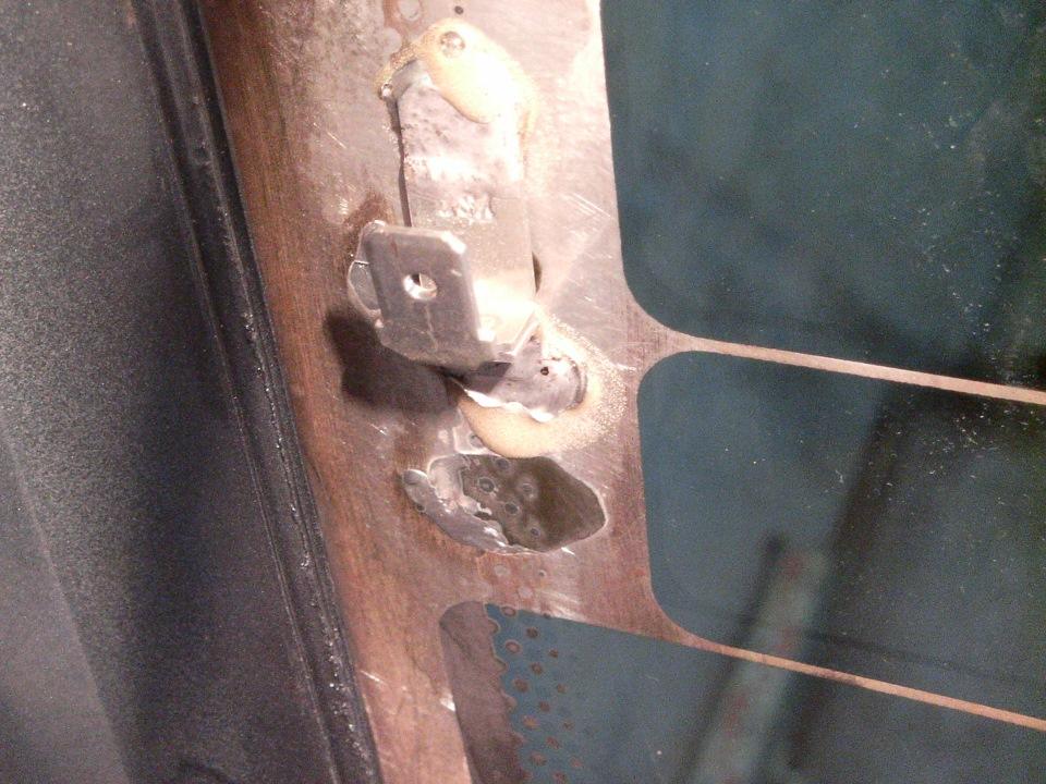 Ремонт клеммы обогрева заднего стекла