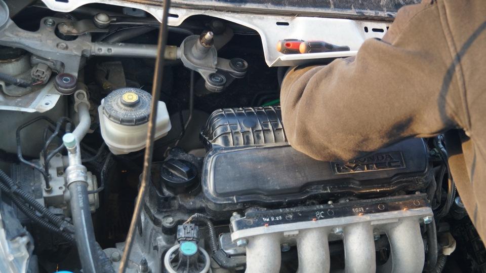 Замена свечей зажигания хонда фит Замена троса спидометра skoda octavia a5