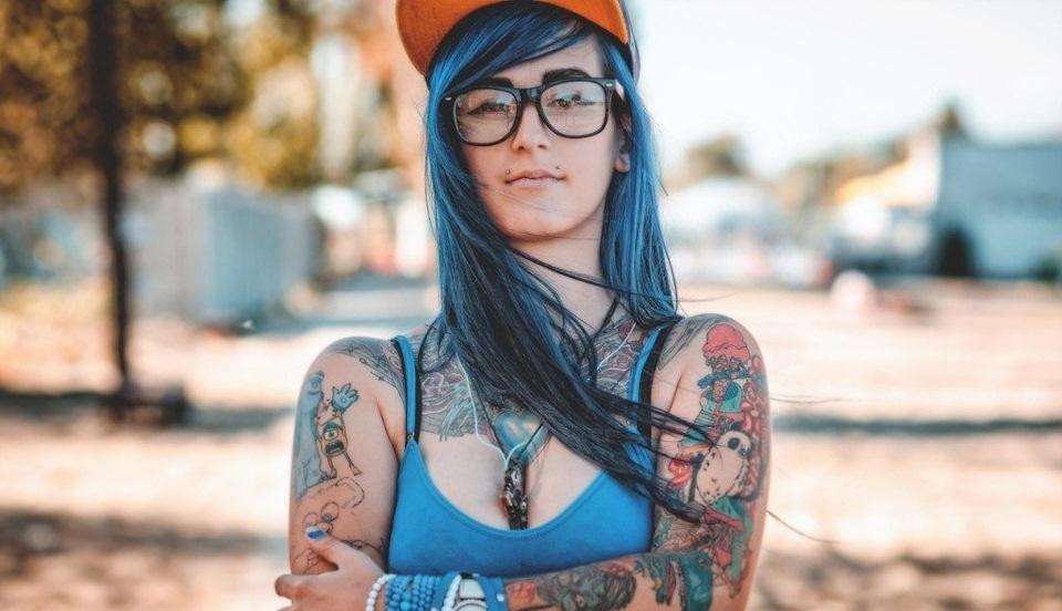 lezli-zen-tatuirovki-smotret-intimnie-foto-video-chitinskih-devushek