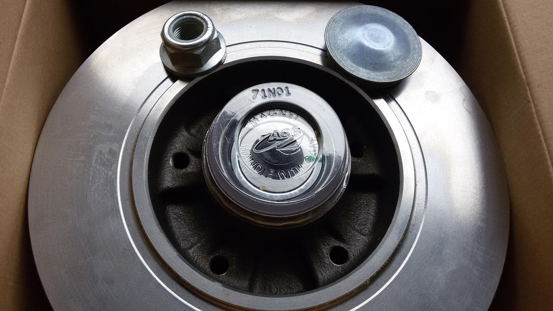 Замена тормозных дисков меган 2 Замена заднего сальника кпп мазда бонго