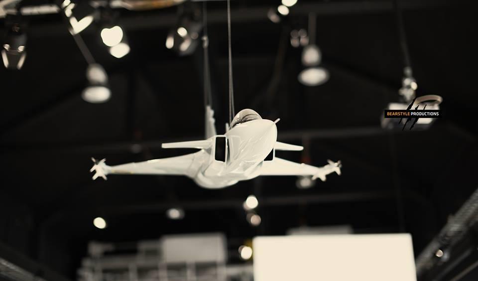 Боевой истребитель SAAB Gripen : )