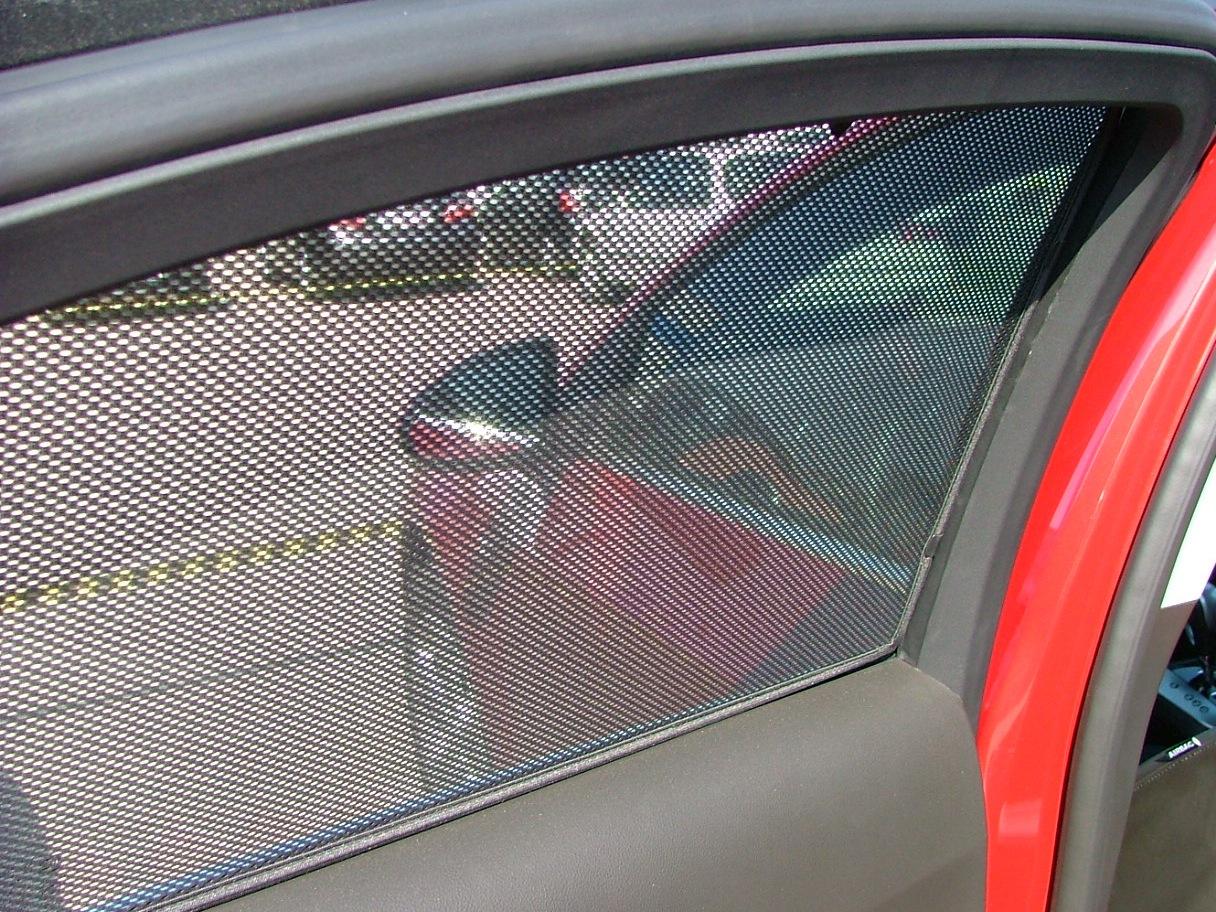 Солнцезащитные шторки для автомобиля своими руками 190