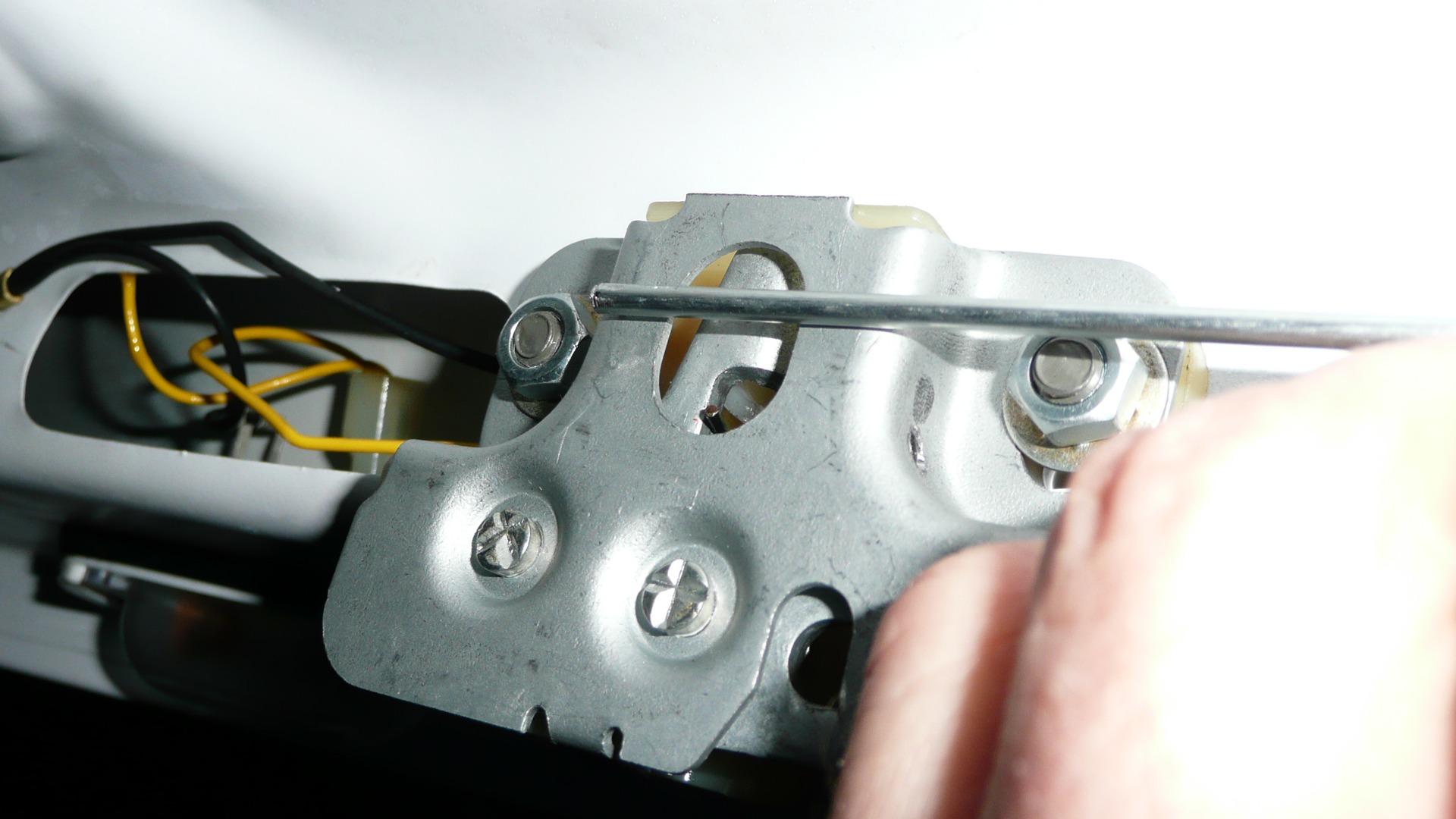 как сделать багажник с кнопки 2107