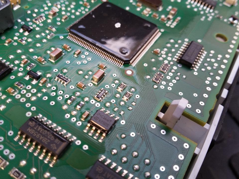 f7b418es-960.jpg