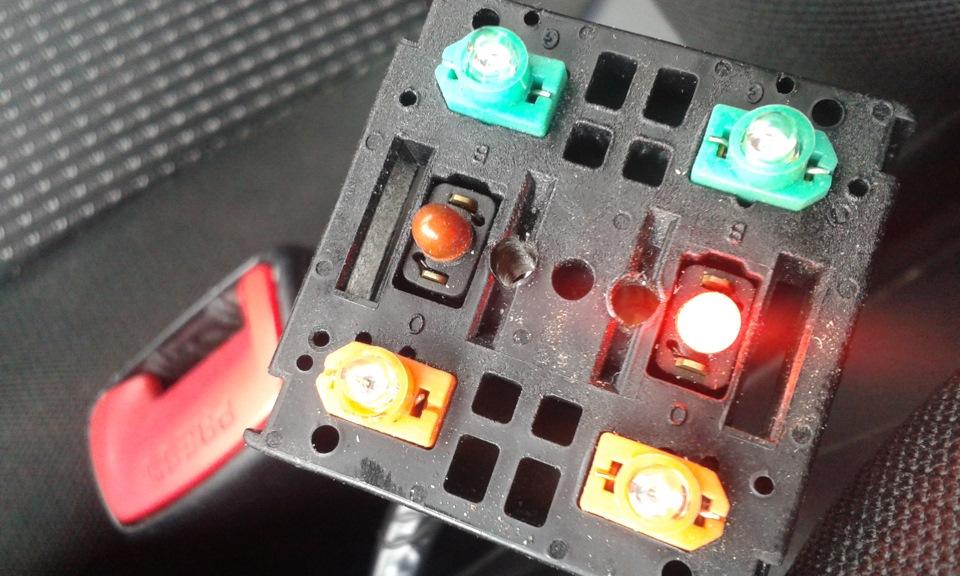 замена лампочки подсветки обогрева сидений гранд витара